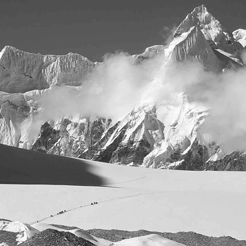Rolwaling Peaks Exploratory | 6000m –  Tashi Labtsa and Remote Nangpa